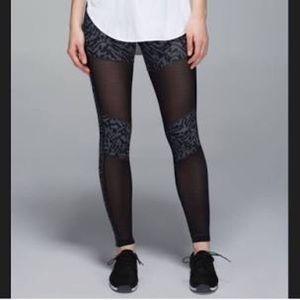 Lululemon Hot to Street Pant size 4